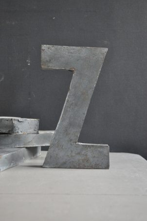 lettre-en-zinc