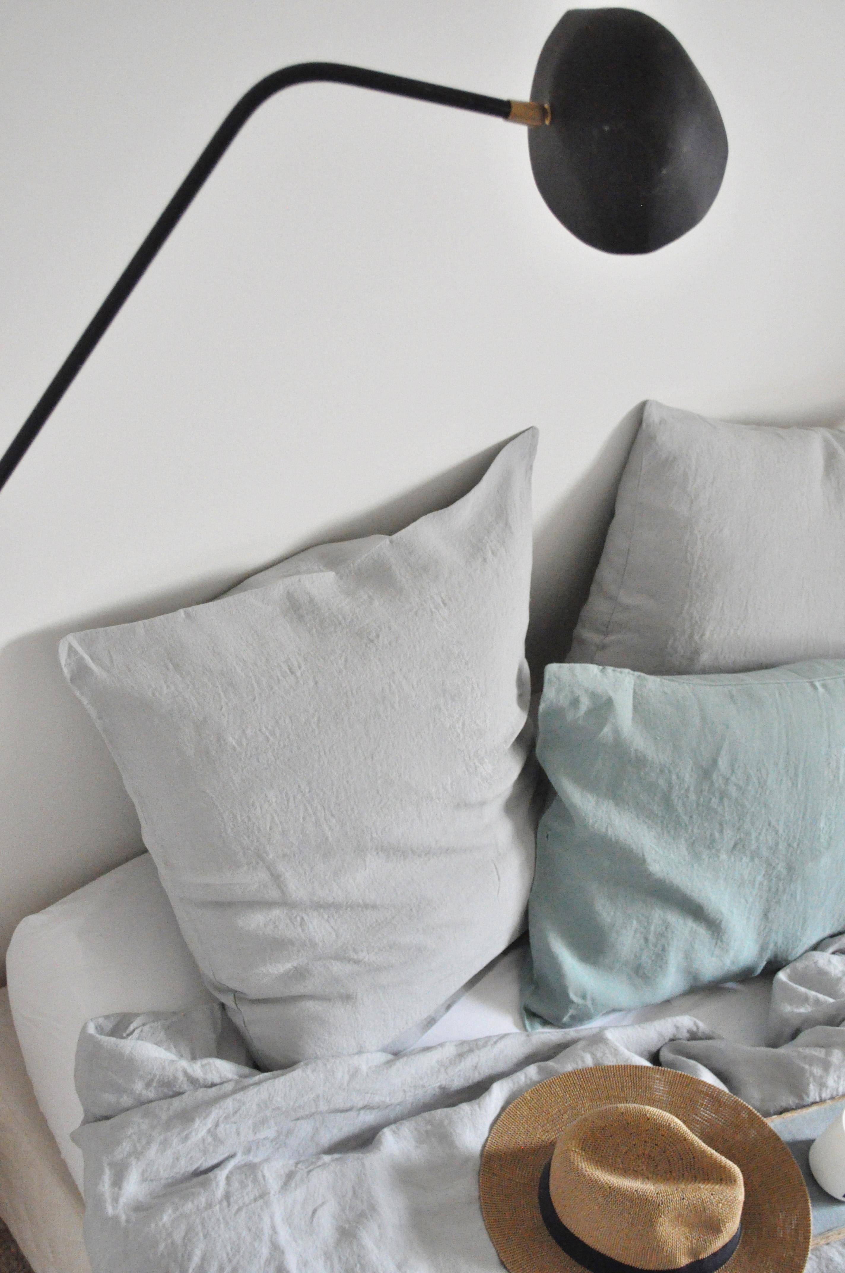 taie d oreiller sauge 50 x 70 cm le vide grenier d 39 une. Black Bedroom Furniture Sets. Home Design Ideas