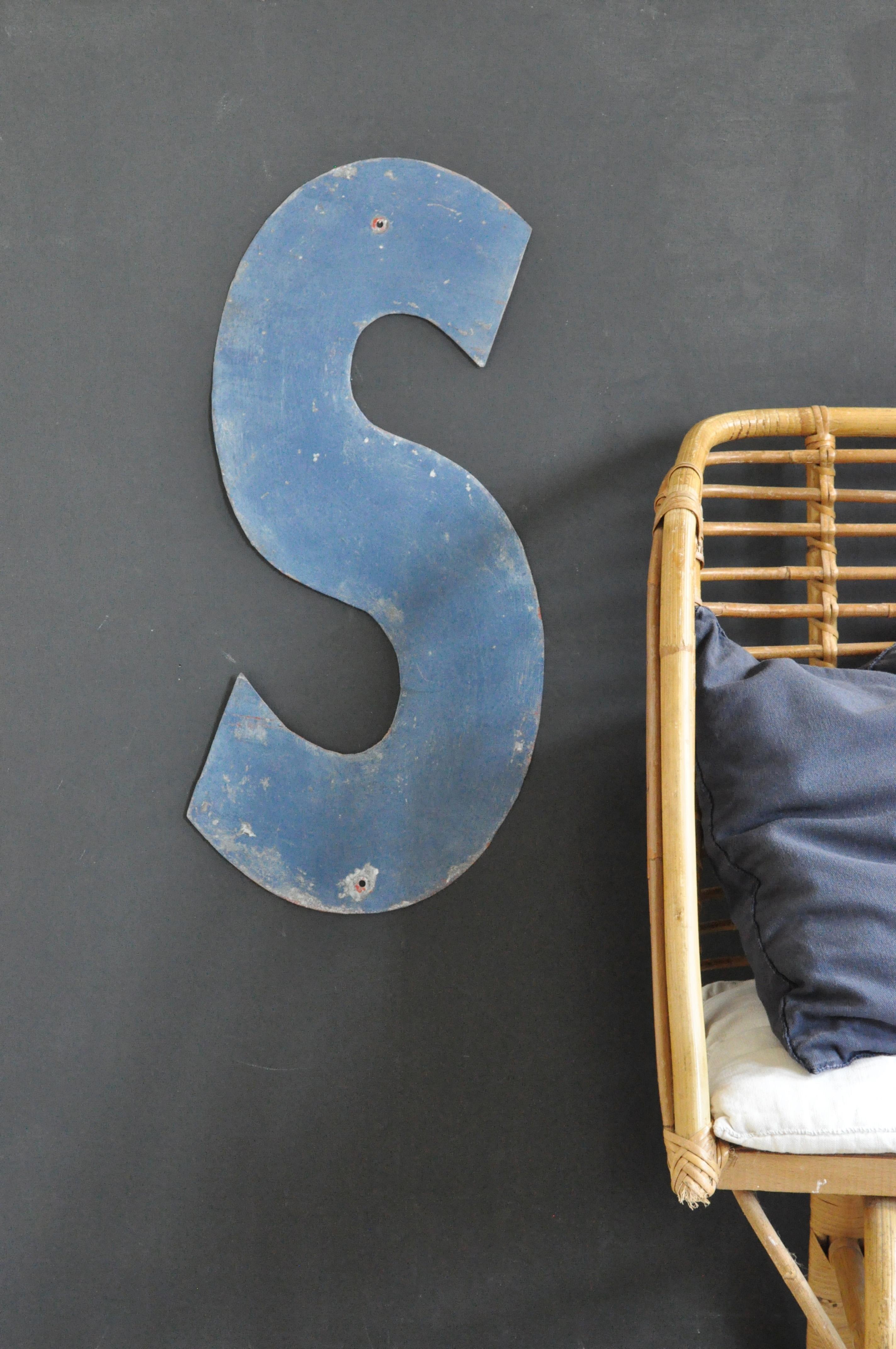 lettre d enseigne le vide grenier d 39 une parisienne. Black Bedroom Furniture Sets. Home Design Ideas