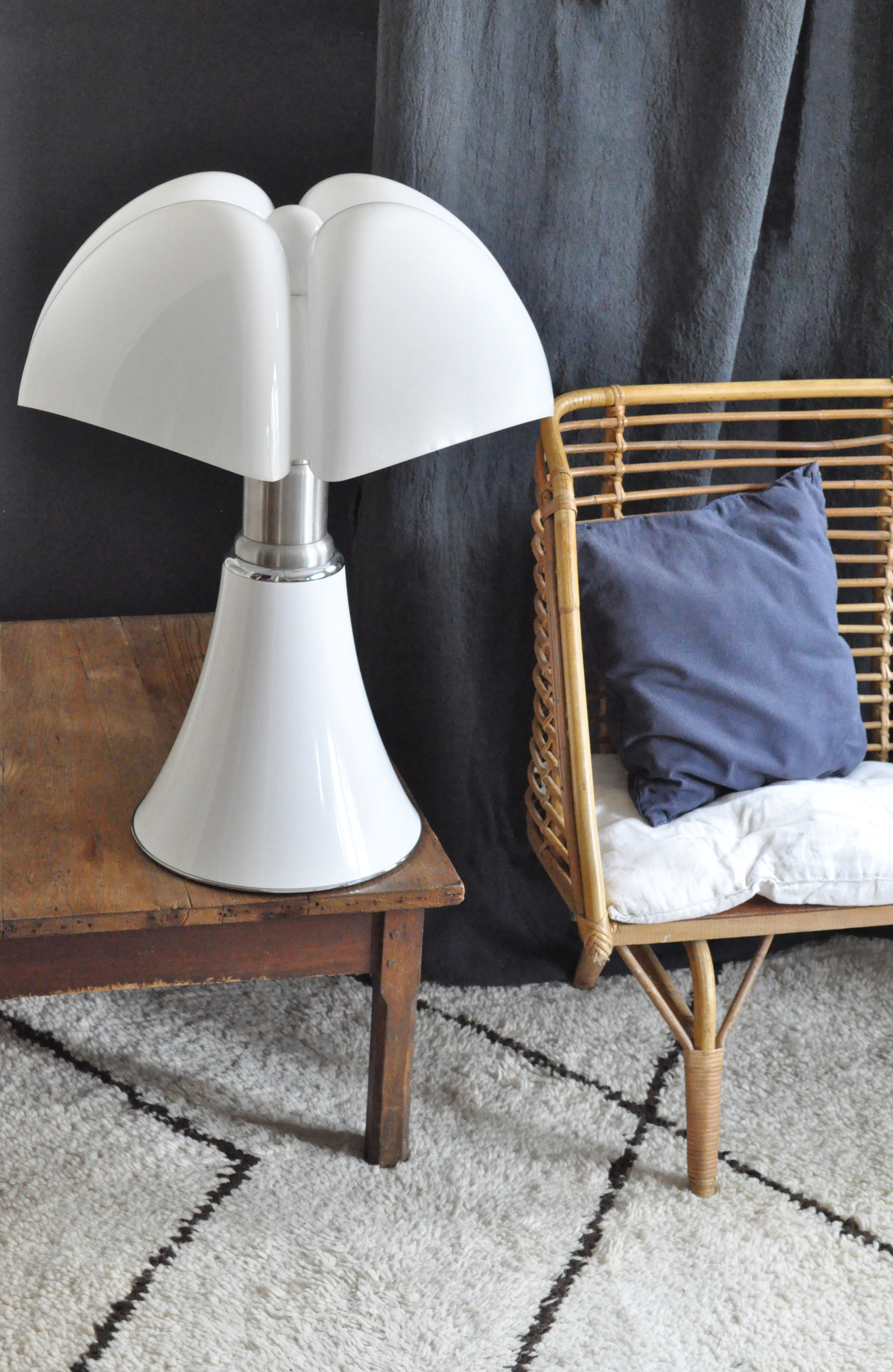 lampe pipistrello le vide grenier d 39 une parisienne. Black Bedroom Furniture Sets. Home Design Ideas