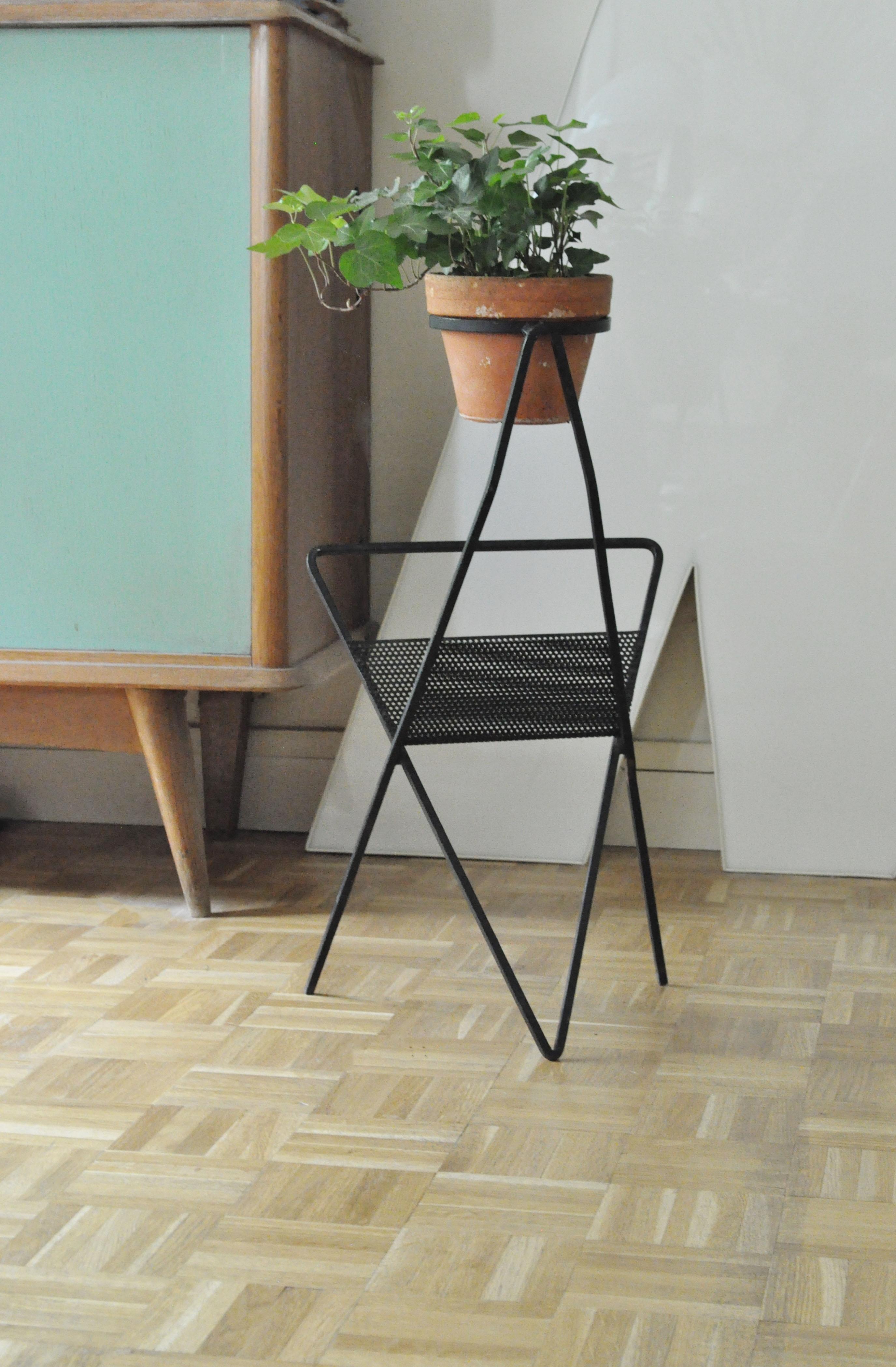 porte plante en bois sur pied stunning cachepot sur pied velika cm la redoute interieurs with. Black Bedroom Furniture Sets. Home Design Ideas
