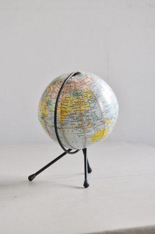 globe-terrestre-vintage