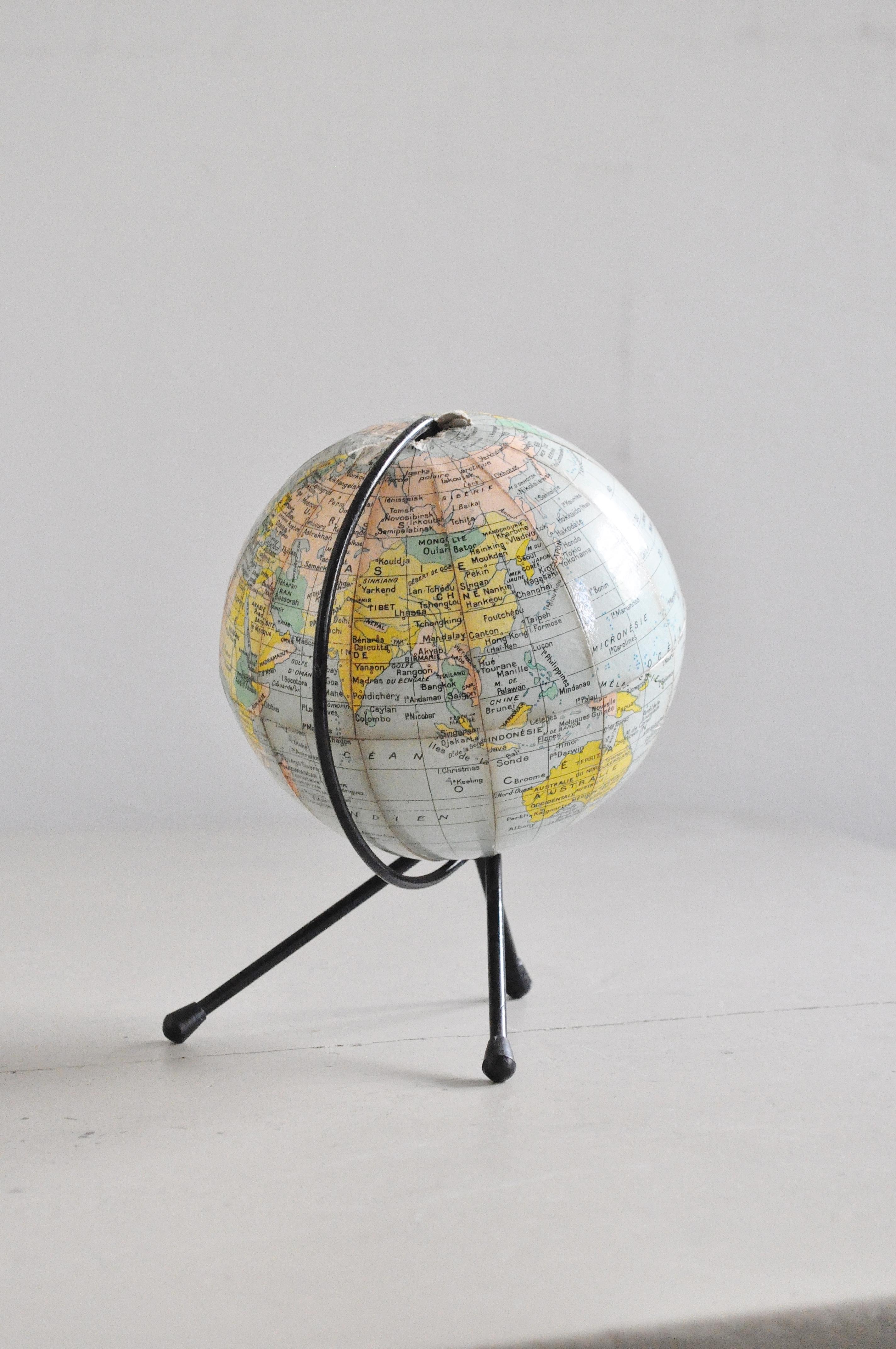 petit globe terrestre le vide grenier d 39 une parisienne. Black Bedroom Furniture Sets. Home Design Ideas