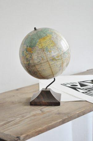 globe-terrestre-girard-barrere-et-thomas