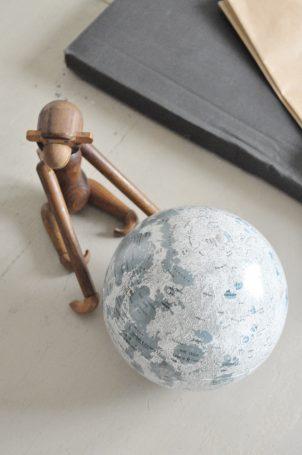 globe-lune-vintage
