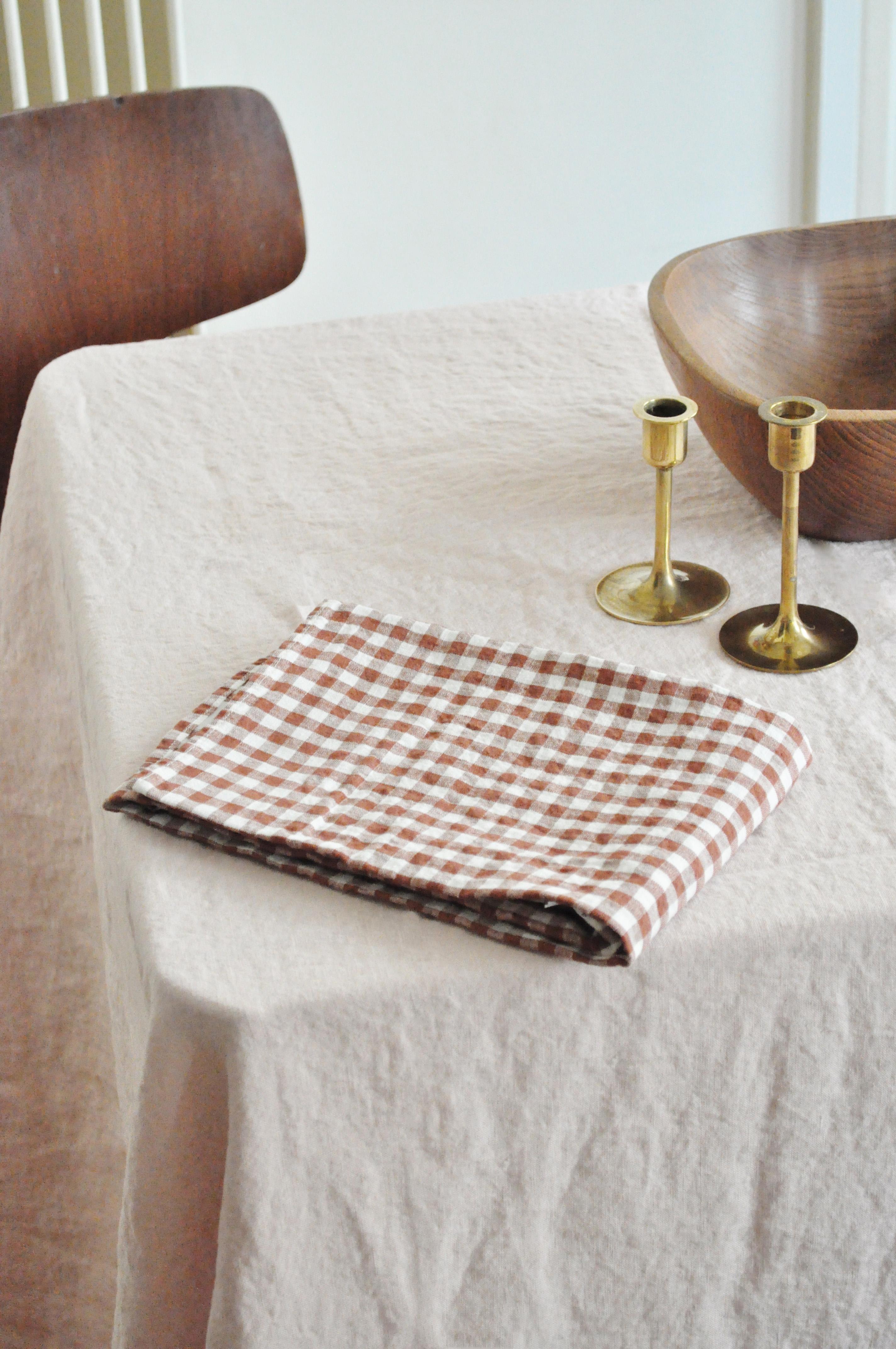 torchon en lin carreaux le vide grenier d 39 une parisienne. Black Bedroom Furniture Sets. Home Design Ideas