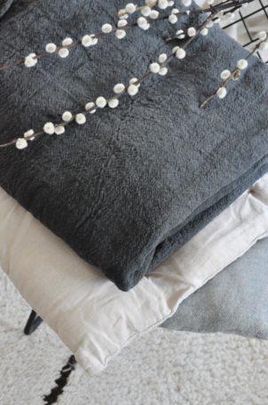 plaid-gris-lin-comptoir-des-teintures