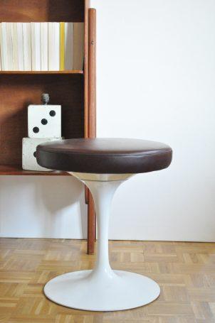canap scandinave le vide grenier d 39 une parisienne. Black Bedroom Furniture Sets. Home Design Ideas