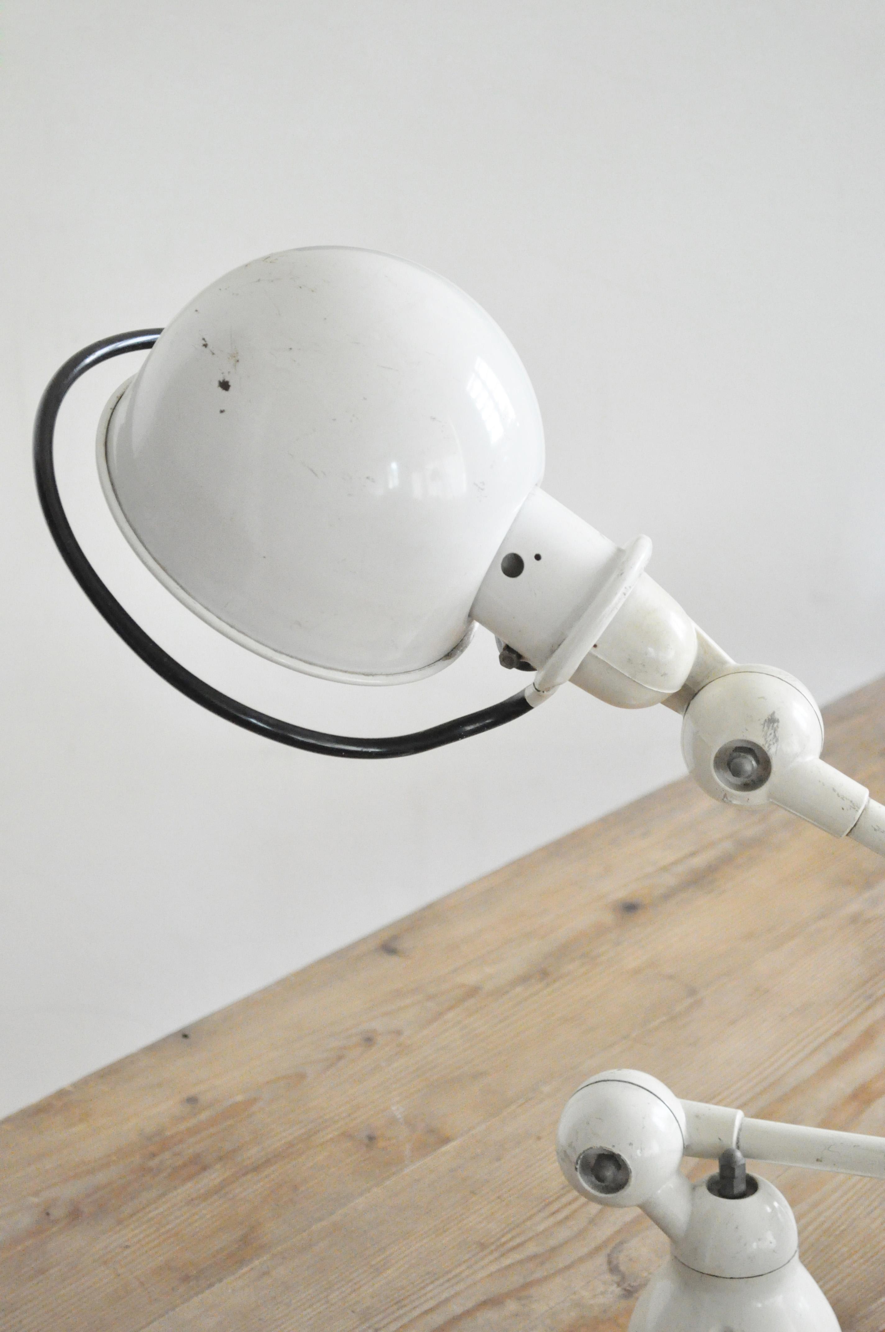 lampe d atelier jield le vide grenier d 39 une parisienne. Black Bedroom Furniture Sets. Home Design Ideas