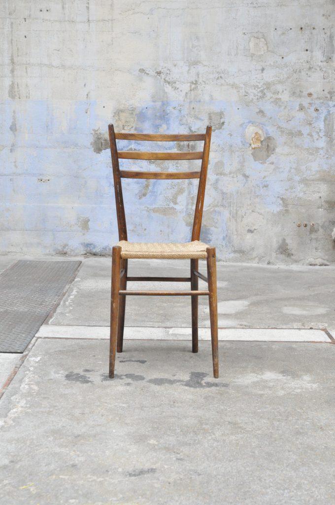 chaise italienne le vide grenier d 39 une parisienne. Black Bedroom Furniture Sets. Home Design Ideas